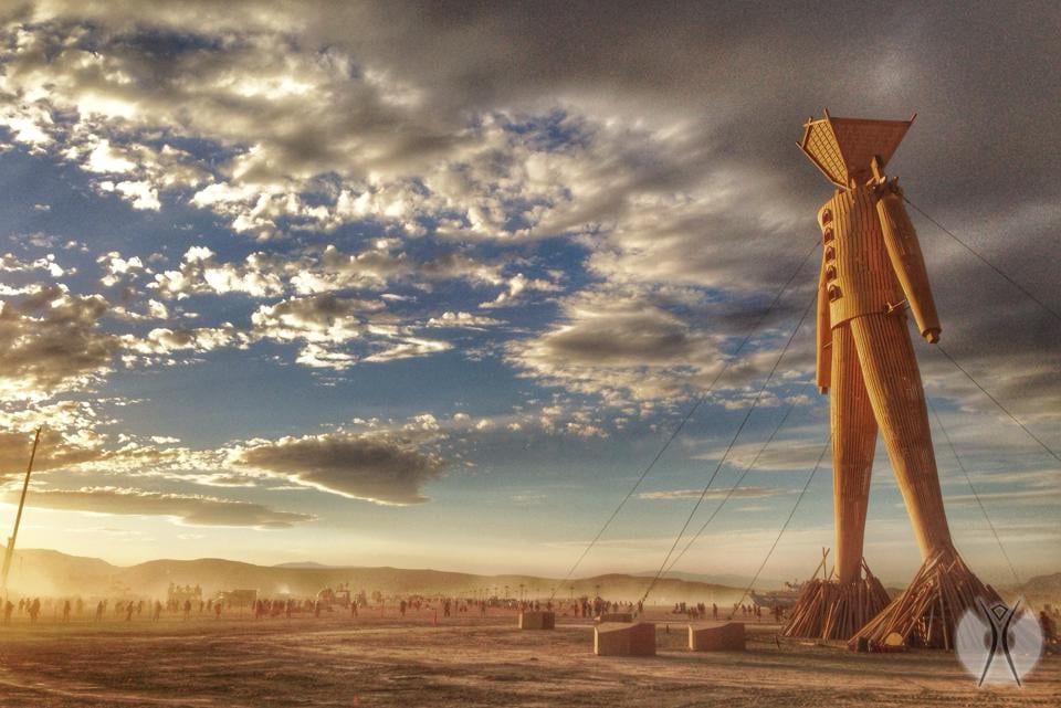 деревянное чучело на Burning Man