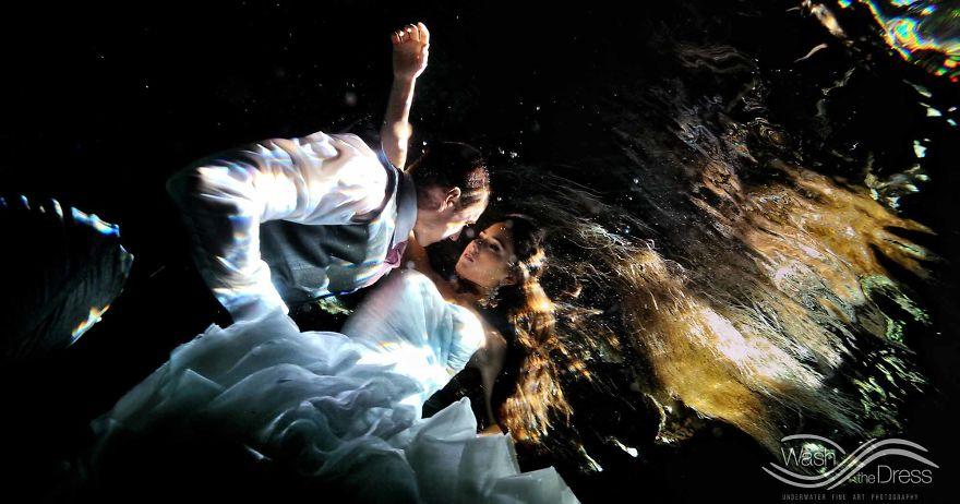 влюбленная пара фото под водой