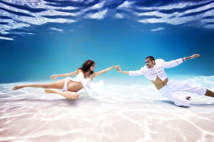 фото беременная под водой
