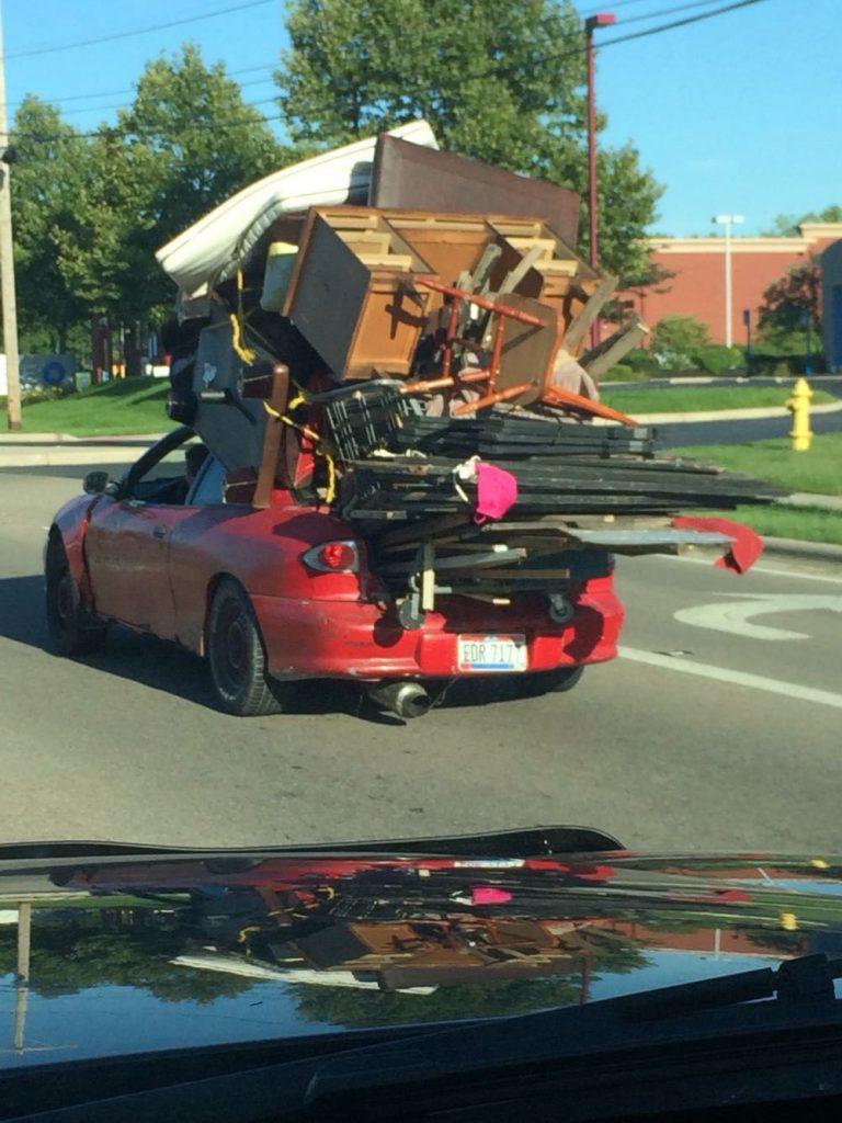 мебель на машине