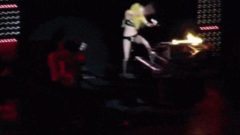 Леди Гага, Леди Гага упала