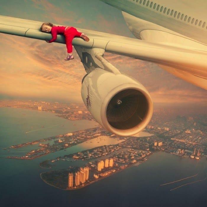 девочка и самолёт