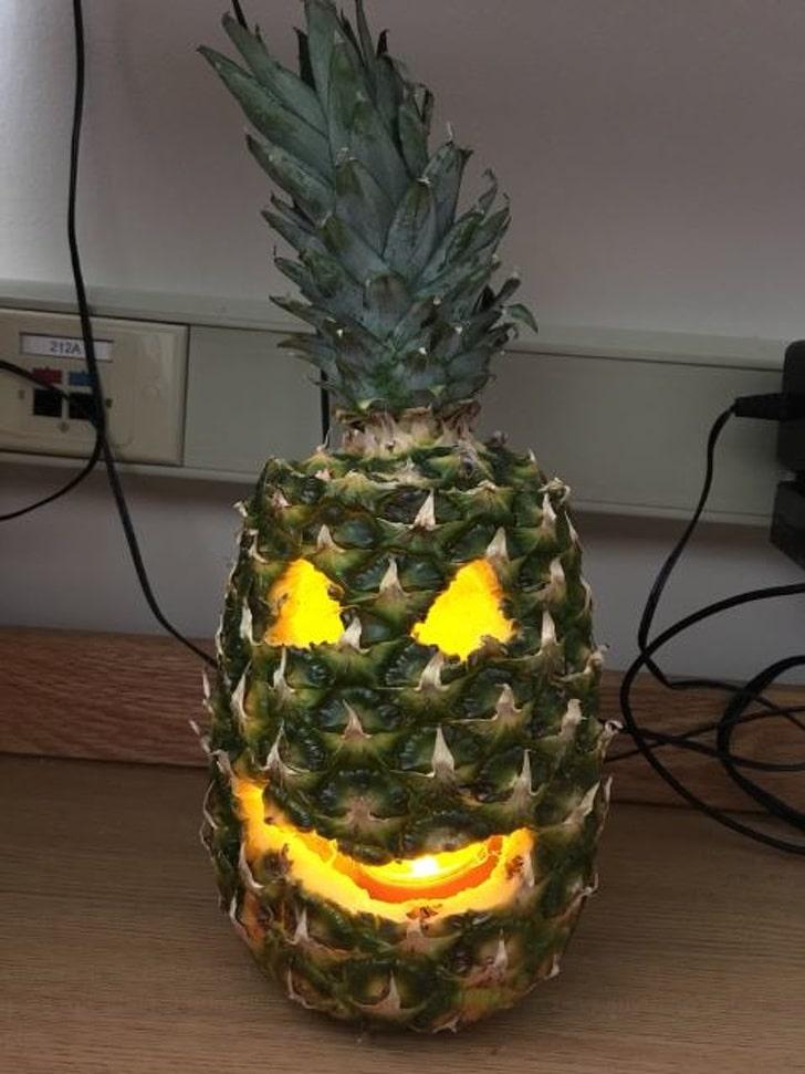 свеча в ананасе