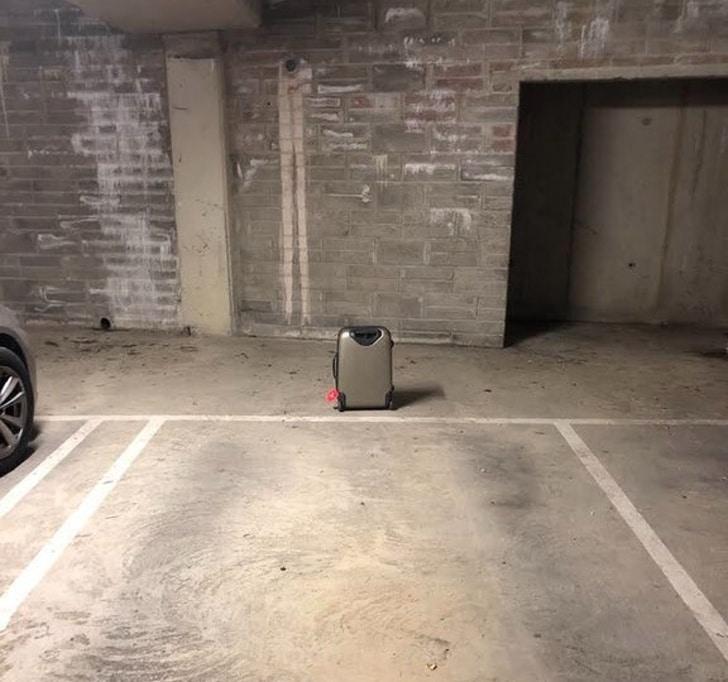 забытый чемодан