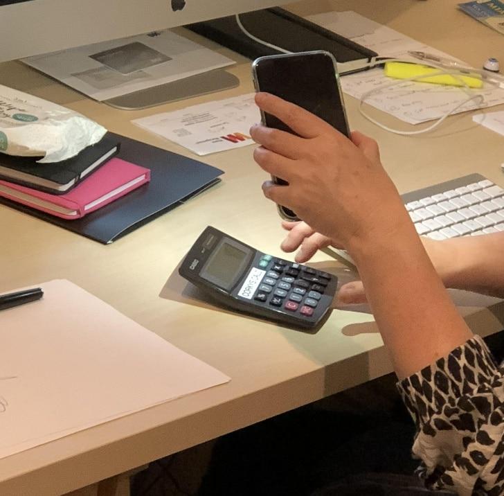 телефон и калькулятор
