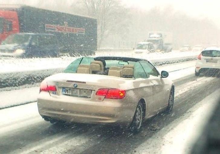 кабриолет в плохую погоду