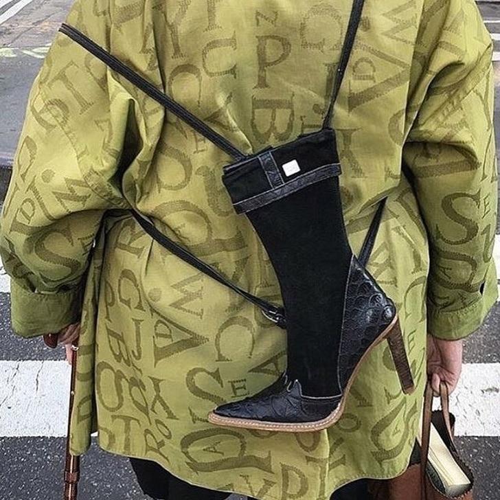 сапог в виде рюкзака