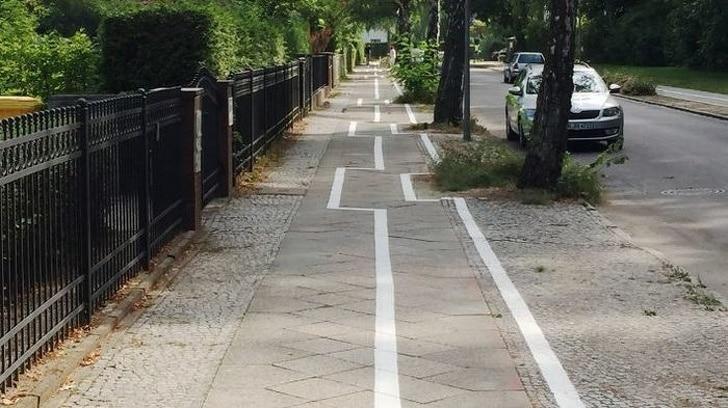 необычный тротуар