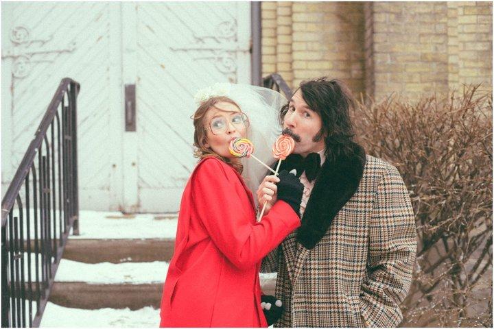 Эрин и Стив с леденцами