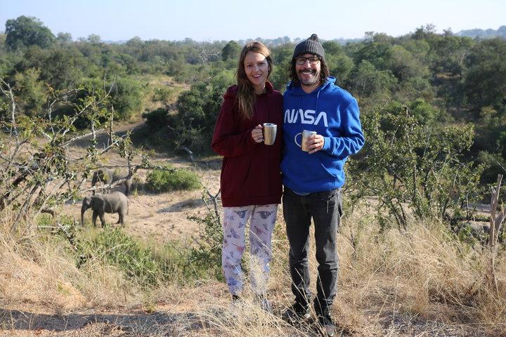 Эрин и Стив на природе