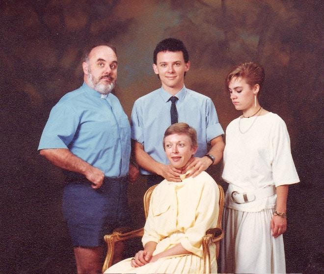 семейное фото: смешная семейка