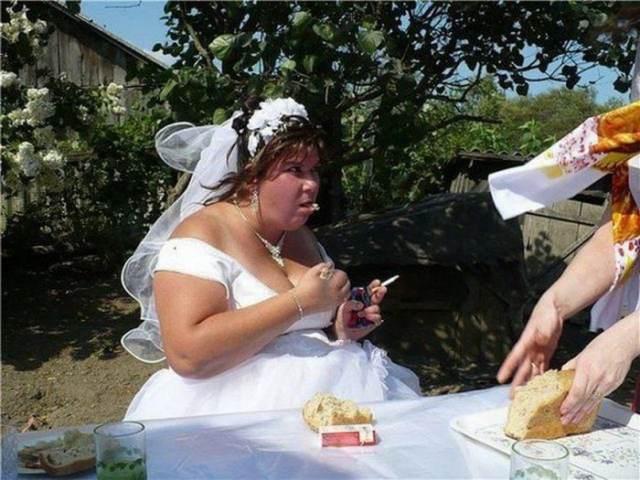 невеста за столом