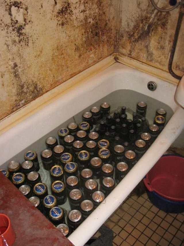 банки пива в ванне