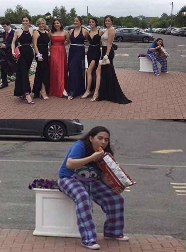девушки в выпускных платьях