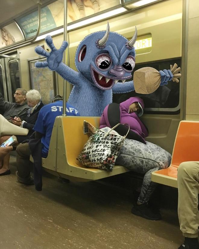 монстр в метро