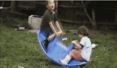 мальчики на лодочке
