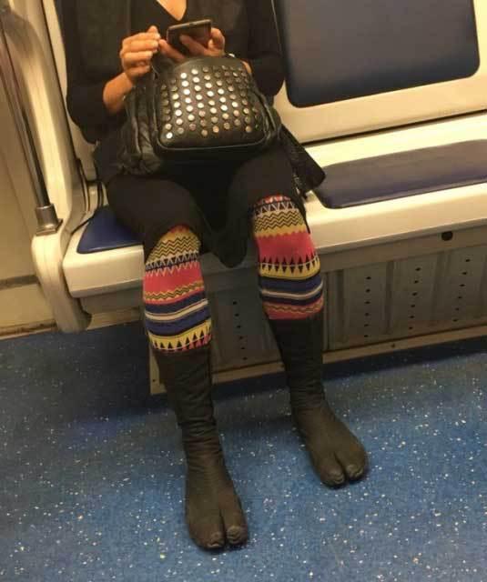 Посмотри под юбки в метро, саша грей видеоархив в порно