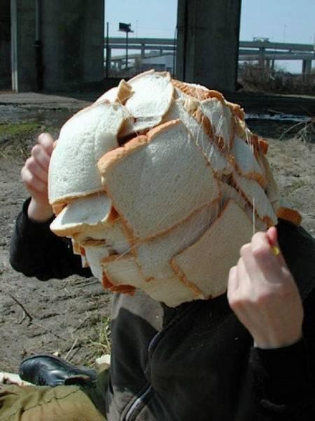 голова, обмотанная хлебом
