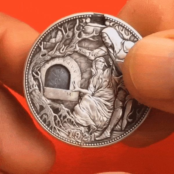 необычная монета