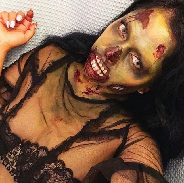 брюнетка с макияжем на хэллоуин