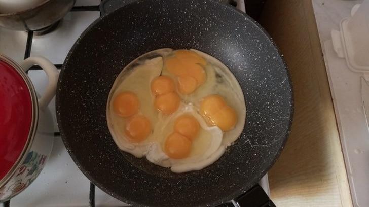 два желтка в яйце