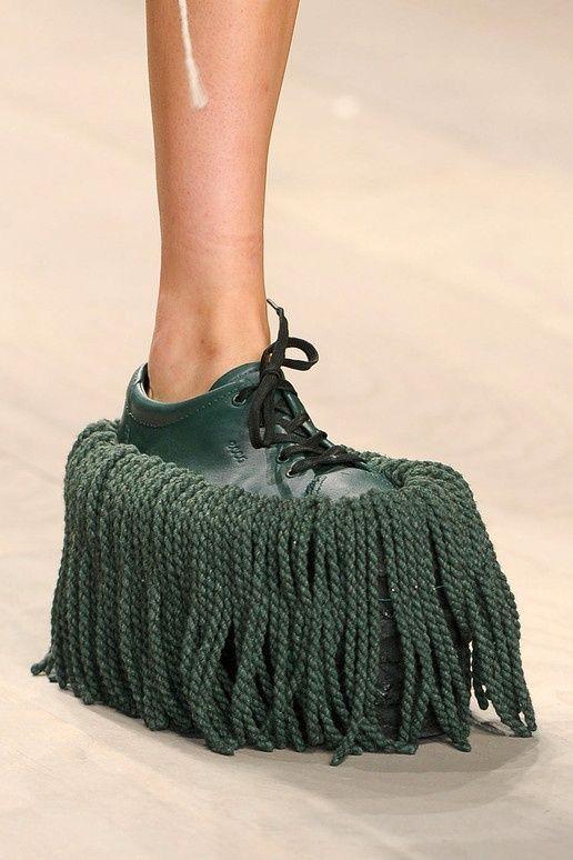 ботинок с бахромой