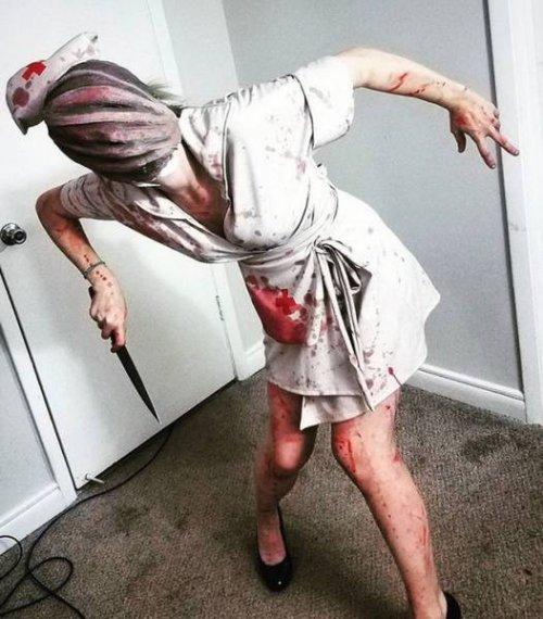 медсестра с ножом