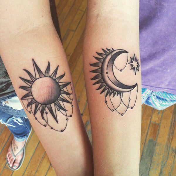 тату солнца и луны на руках
