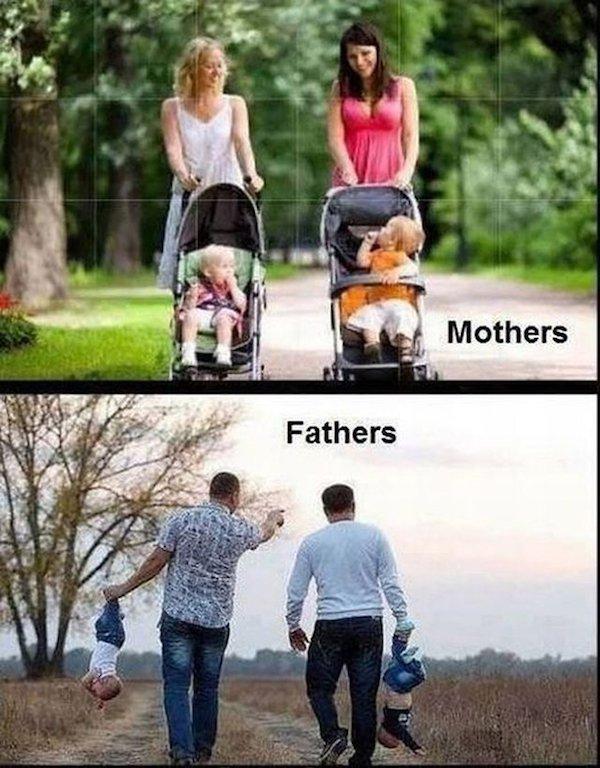 женщины с колясками и папы с детьми