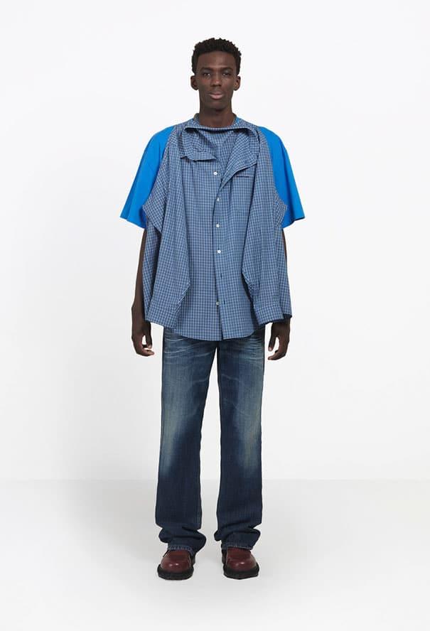 чернокожий парень в футболке