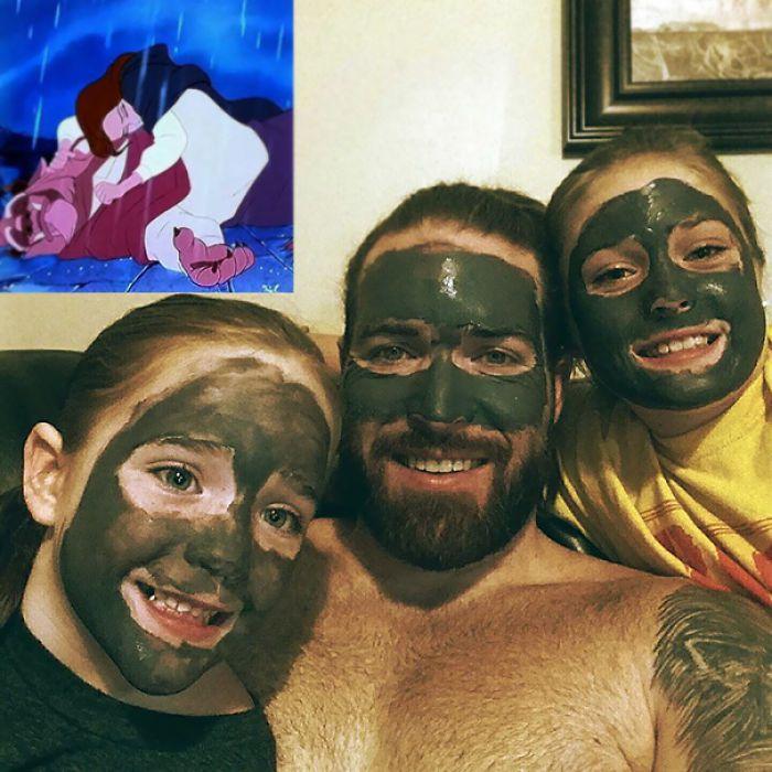 папа и дочки с маской на лице