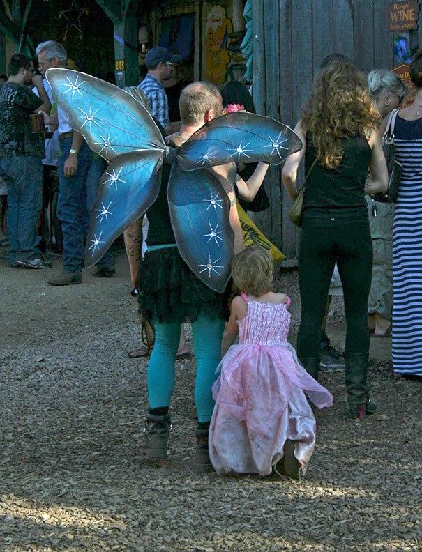 девочка с папой в костюме феи