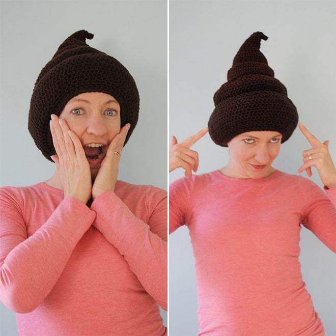 женщина в вязаной шапке