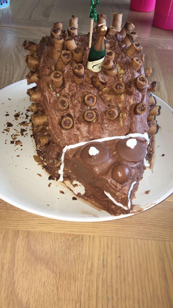 торт в форме ежа
