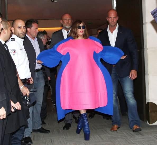 неудачный наряд Леди Гага
