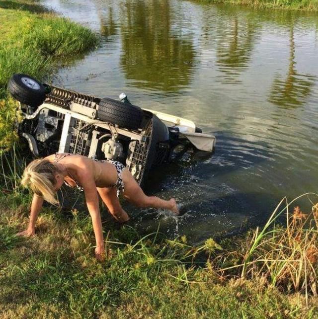 девушка опрокинула машину в воду