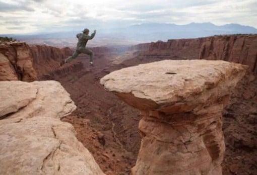каньон и человек