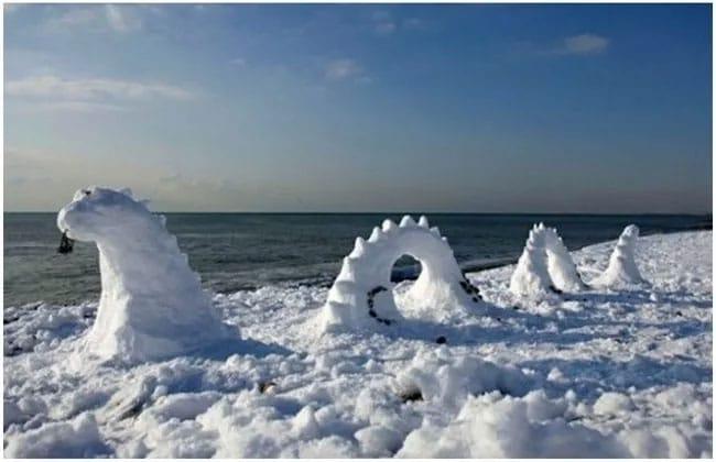 лохнесское чудовище снеговик
