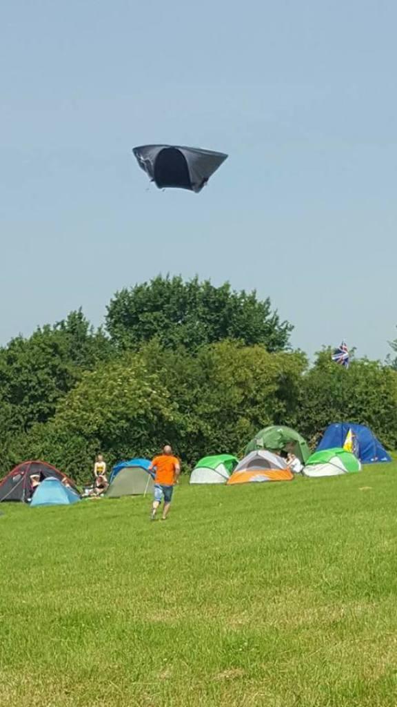 палатка в небе