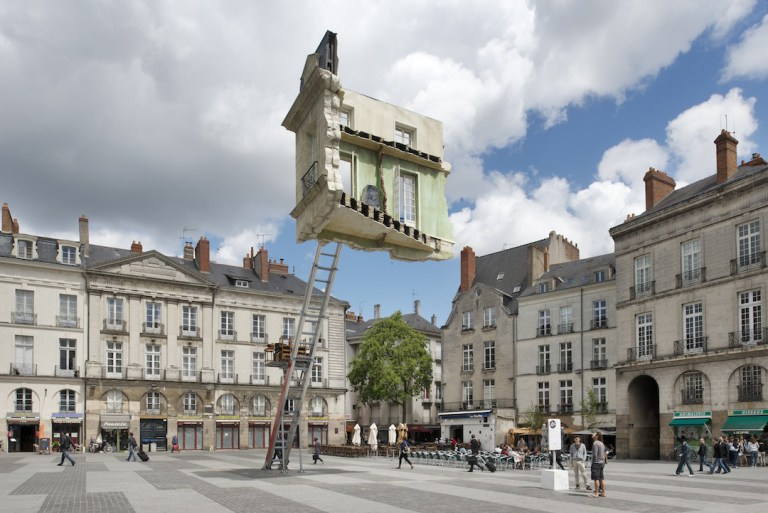 памятник во франции