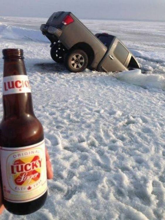 авто провалилось под лед