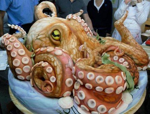 торт в форме осьминога