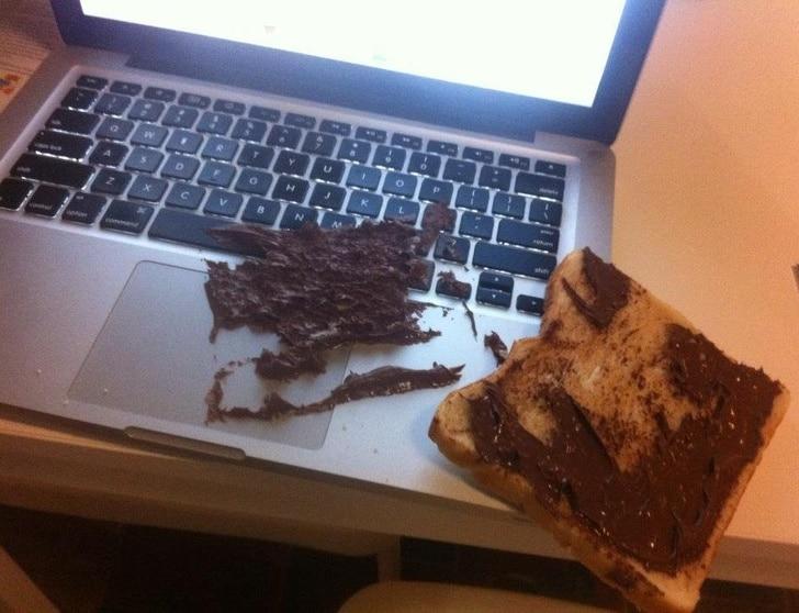 бутерброд с нутеллой