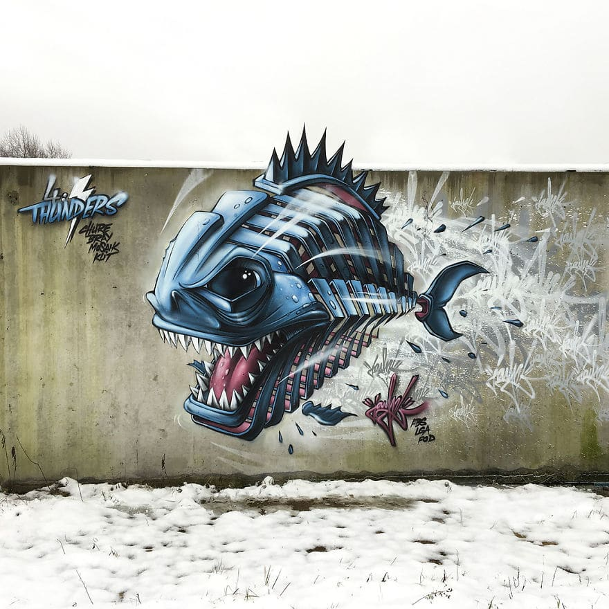 рисунок рыбы на заборе