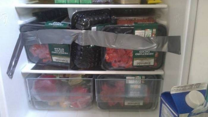 холодильник и изолента