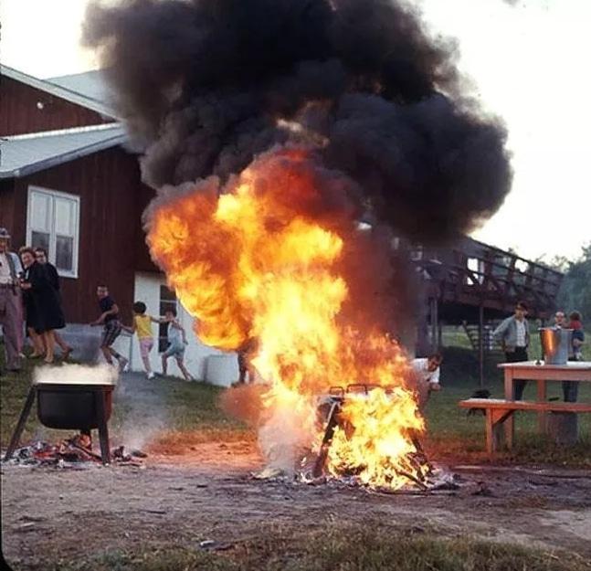 мангал в огне