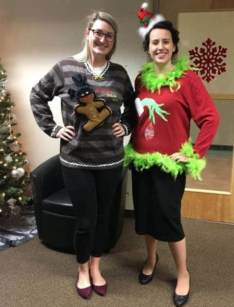 рождественские свитера на женщинах