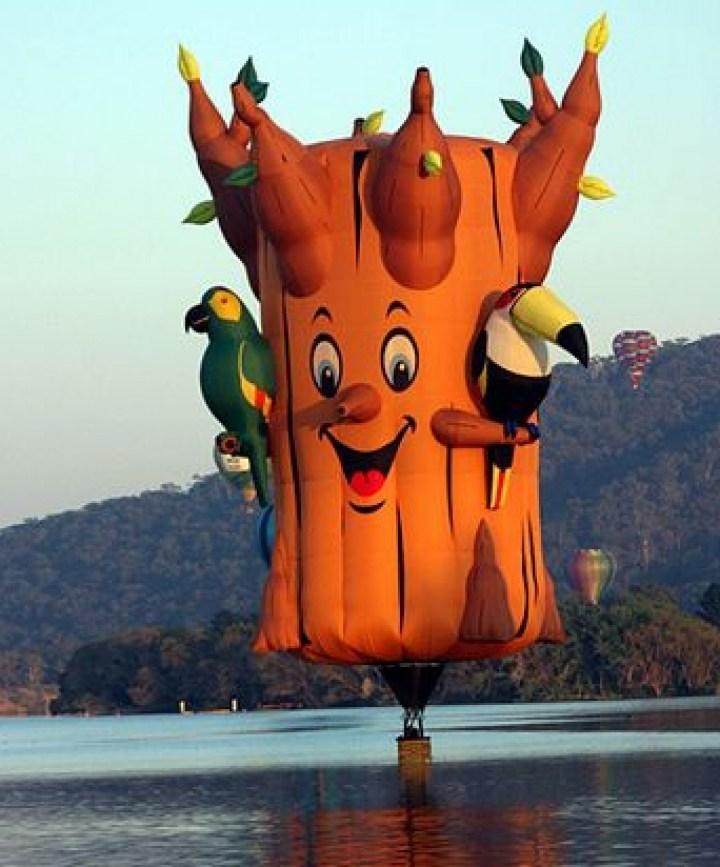 воздушный шар в виде дерева