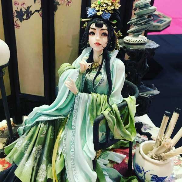 торт в виде японской девушки