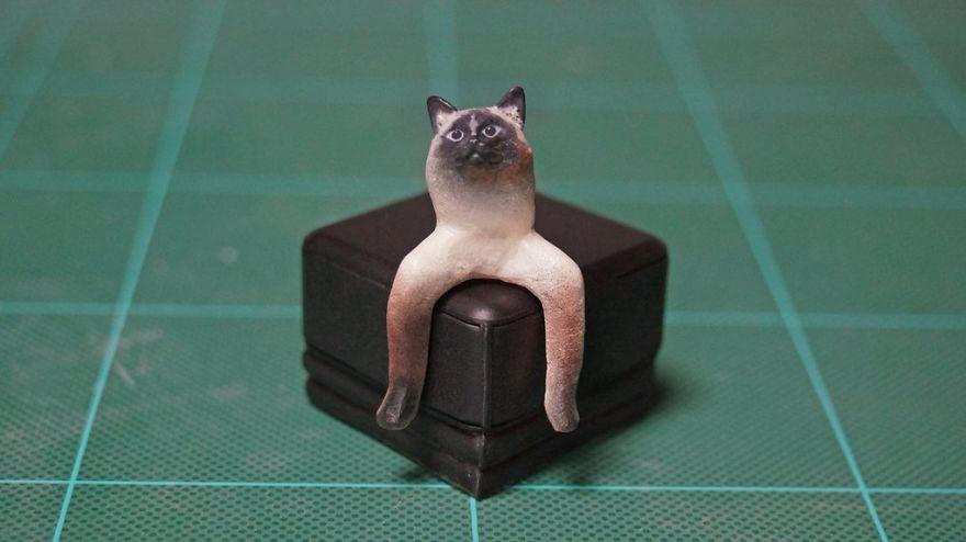 фигурка кота